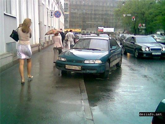 КросаФцы дорог. Когда стекла просят кирпича. Чудеса парковки