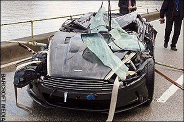 Астон Мартин Бонда утонул и восстановлению не подлежит