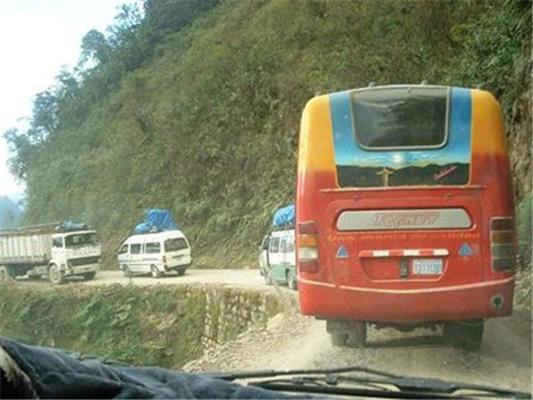 Фотографуй дурня, розвантажити дороги. Тепер дурні Харкова