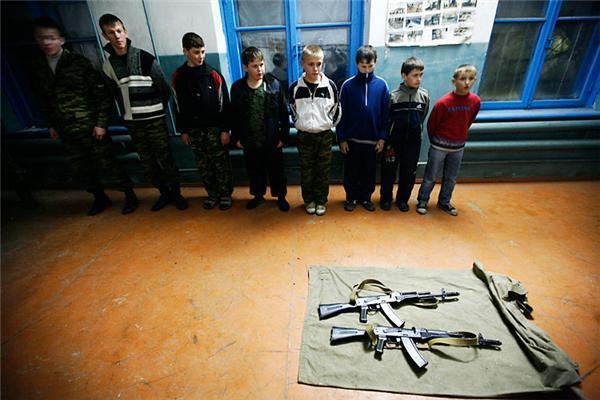 Чи хочуть росіяни війни? Дитячий військовий табір Ставрополя