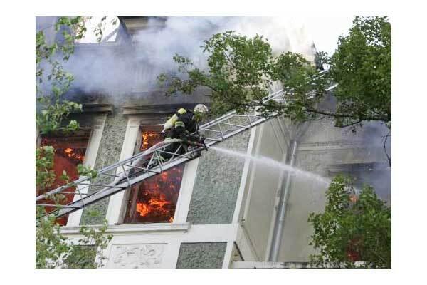 К Секретариату Президента подбирается пожар