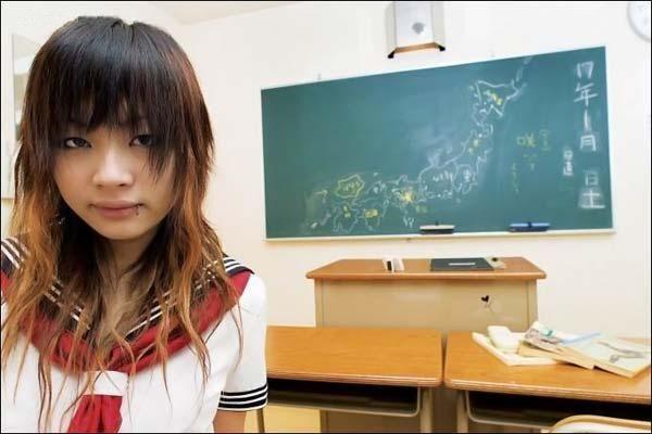 Кумедний японський бордель. Хоч стюардесу, хоч Білосніжку