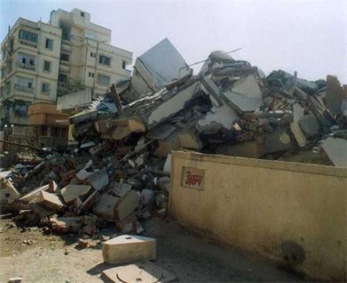 Землетрус у Китаї і його жертви під завалами