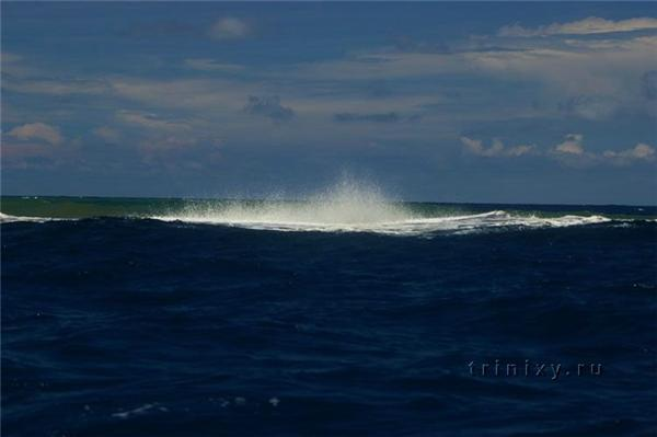 Рождение нового острова в океане. Фантастически красиво...