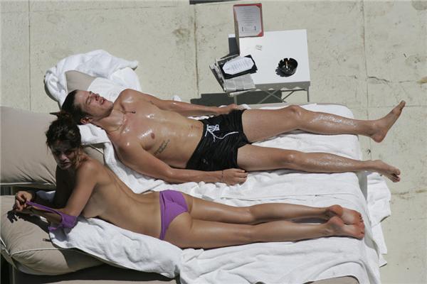 Свежачок звезд! Мерайя Кери, Курникова и Кристенсен на пляже