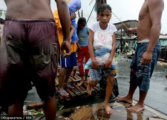 Крах на Філіппінах. Доля 700 осіб невідома