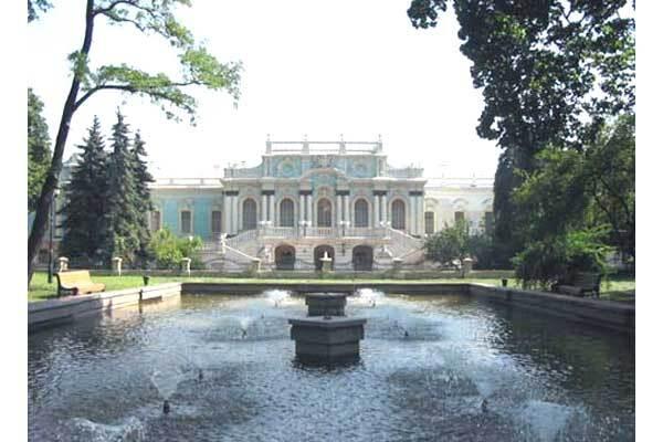 Кабмін видав 420 млн для палацу Президента