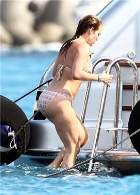 Джей Ло (J Lo) - перші фотографії в бікіні після пологів
