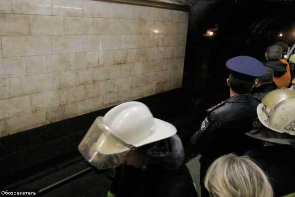 Ночью в киевском метро погибли двое рабочих