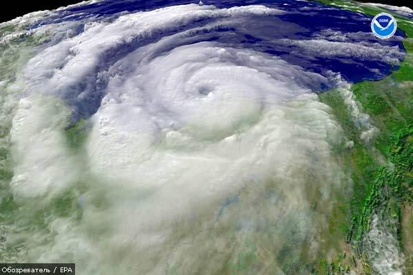 Ураган «Долли» достиг побережья Мексики и усиливается