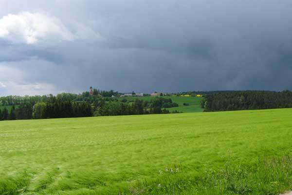 Плохая погода обесточила 212 сел Украины