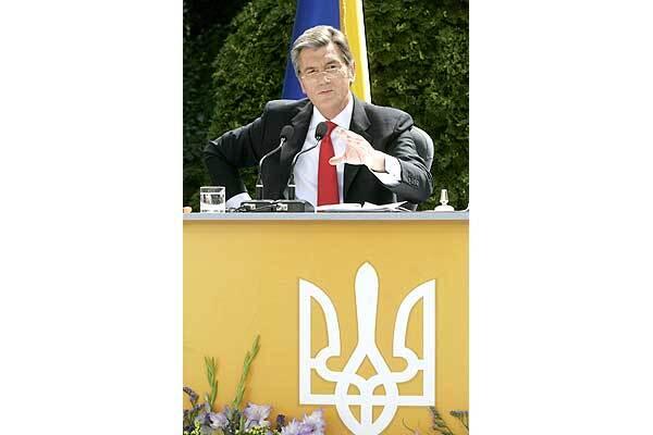 Ющенко знает, кому Тимошенко обязана премьерством