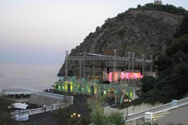 Кучма снял в Крыму пансионат на день рождения