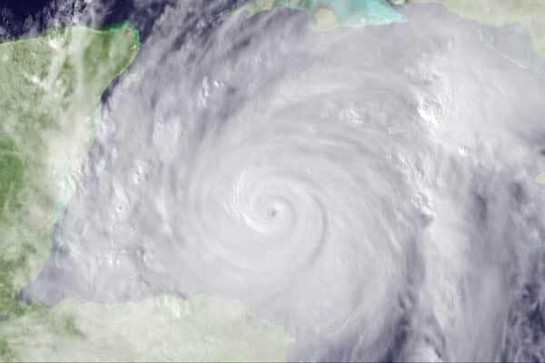 В Ивано-Франковске начался ураган