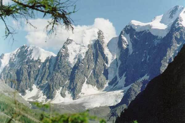 В Кабардино-Балкарии нашли тела двоих погибших альпинистов