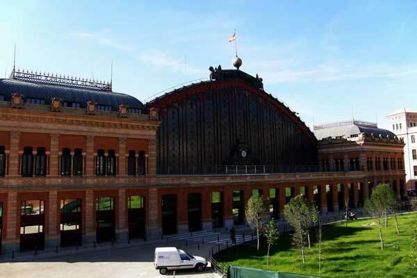 На вокзале Мадрида прогремел взрыв, есть раненые