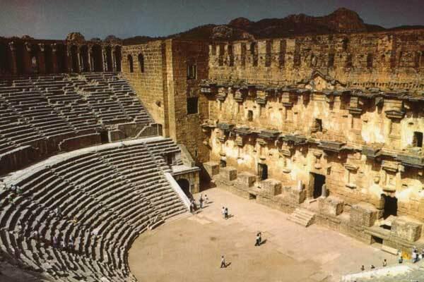 Пожары угрожают древнегреческому городу