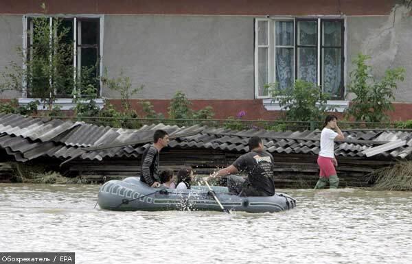 Сильные дожди подтопили сотни домов в Закарпатье