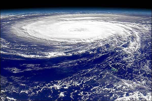 Над Китаем бушует тропический шторм