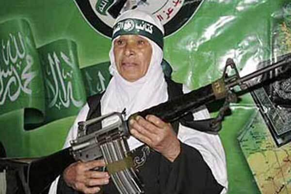 Иракская террористка взорвала процессию мусульман