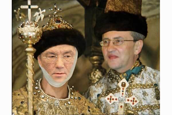 Ющенко наградил Черновецкого за мудрость