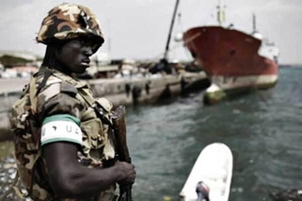 Пираты в Сомали захватывают по три судна в день