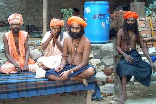 В Индии неизвестная инфекция убила 160 человек
