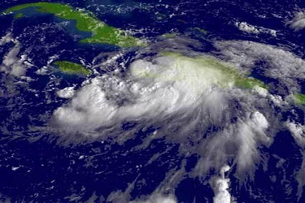 В США из-за урагана эвакуирован миллион
