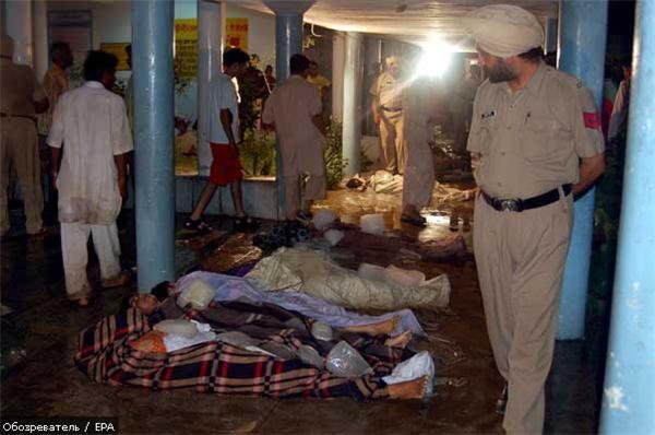 145 человек погибли в давке на празднике