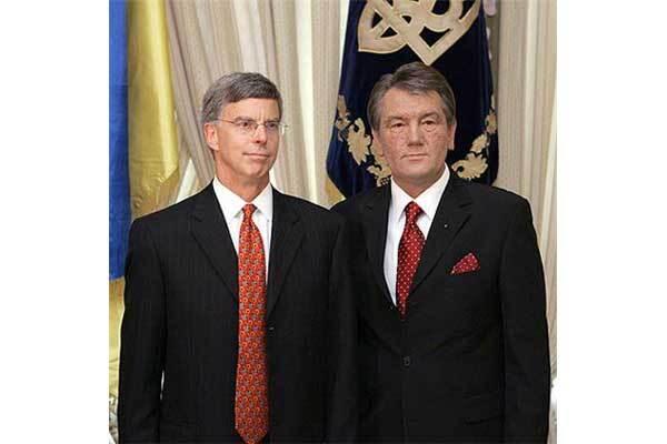 Посол США не верит в украинских диктаторов и не понимает РФ