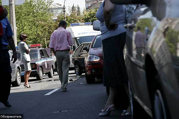 "Крупное ДТП в Киеве возле бизнес-центра ""Парус"""