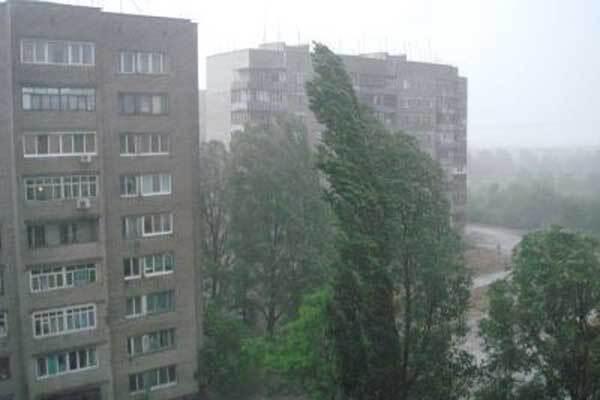 В Хмельницком прошел ураган. Без света 100 тыс. человек