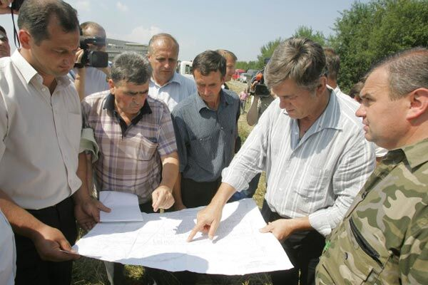 Ющенко продолжает турне по Западной Украине
