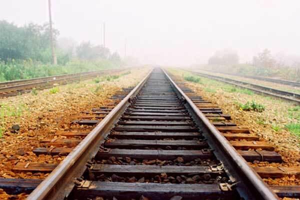 Поезд протаранил легковушку