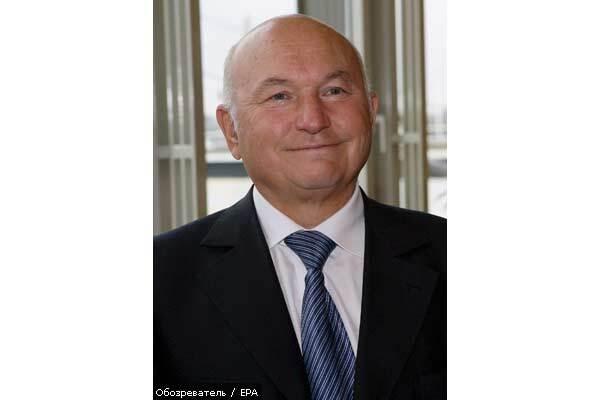 Люди мэра Москвы Лужкова пишут заявления об уходе