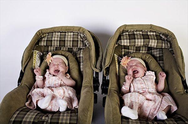 """""""День близнят"""" в Твінсбург. Лягти між і загадати бажання"""