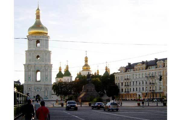 У Київ привезуть 14 скульптур з колекції Людовіка ХІV