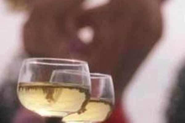 Алкоголь робить жінку активніше в сексі