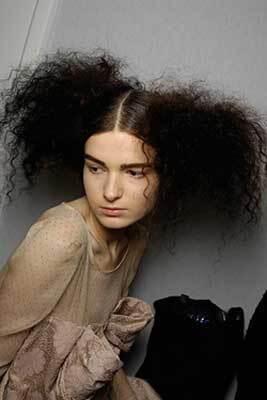 Графічниє стрижки або пишні зачіски?