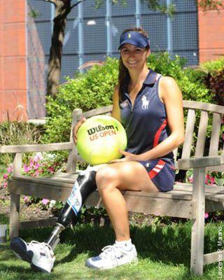 Впервые в истории на US Open работает девушка-ампутантка