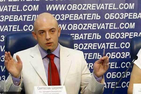 Геїв пустили в українські школи