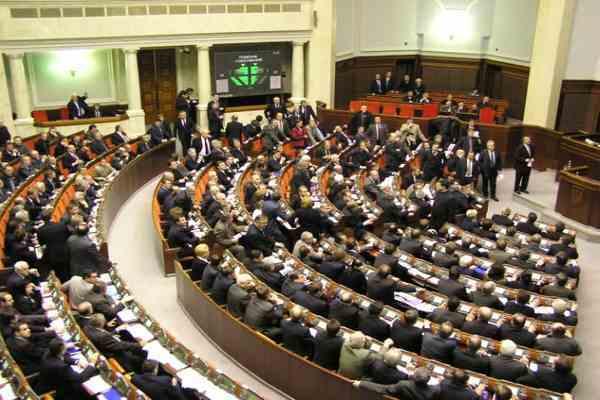 Україна стоїть на межі правового хаосу