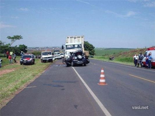 Легковик VS вантажівку. Водій - некруто ...