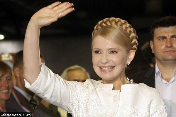 """"""" Вона працює"""": Тимошенко живе на одну зарплату"""