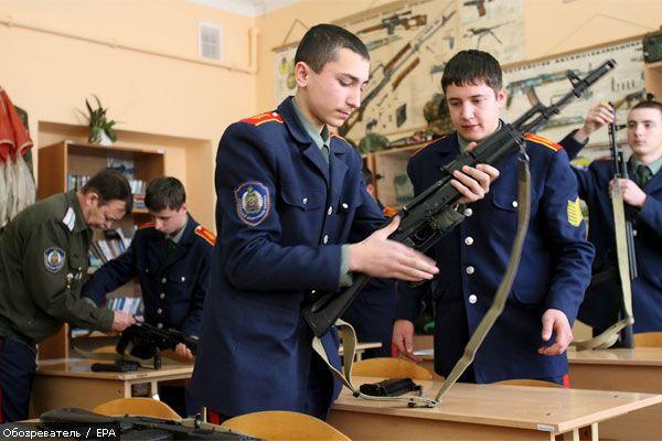Легендарному зброярі Калашникову - 90 (ФОТО)