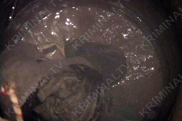 Чоловік просидів у колодязі з крижаною водою 8:00 (ФОТО)