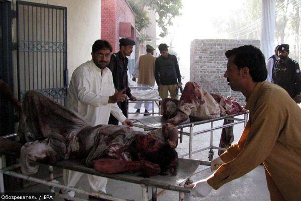 Потужний вибух прогримів в Пешаварі біля будівлі служби розвідки