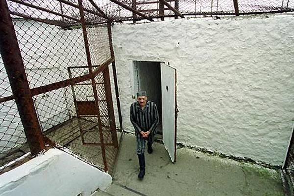 Охоронці бельгійської в'язниці жорстоко били ув'язнених