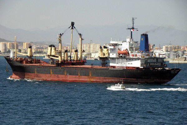 Українські моряки обстріляли сомалійських піратів