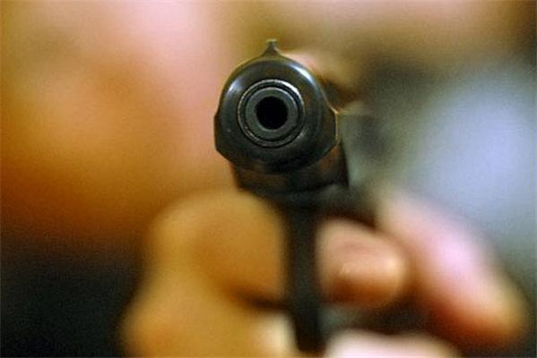 Невідомий розстріляв двох православних священиків